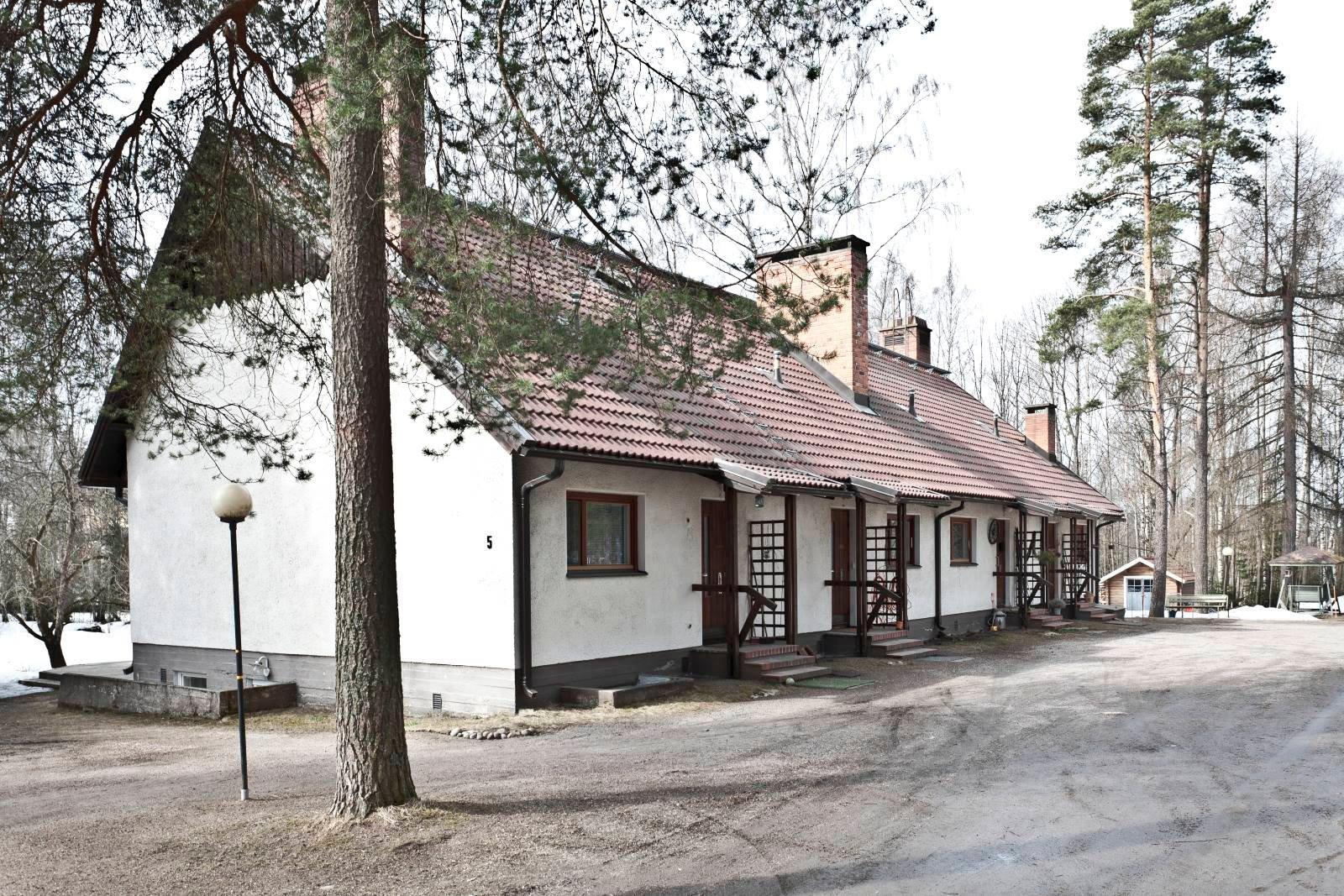 Rivitalo maalämpöön Espoo Rastaala