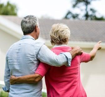 Maalämmön hinta vanhassa omakotitalossa riippuu talon lämmitysenergian ja -tehon tarpeesta.