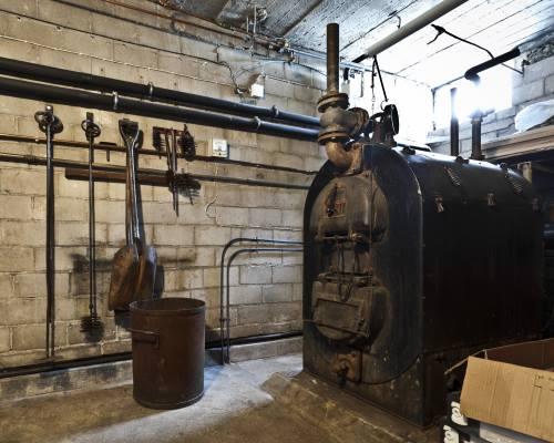 Vanha lämmitysjärjestelmä